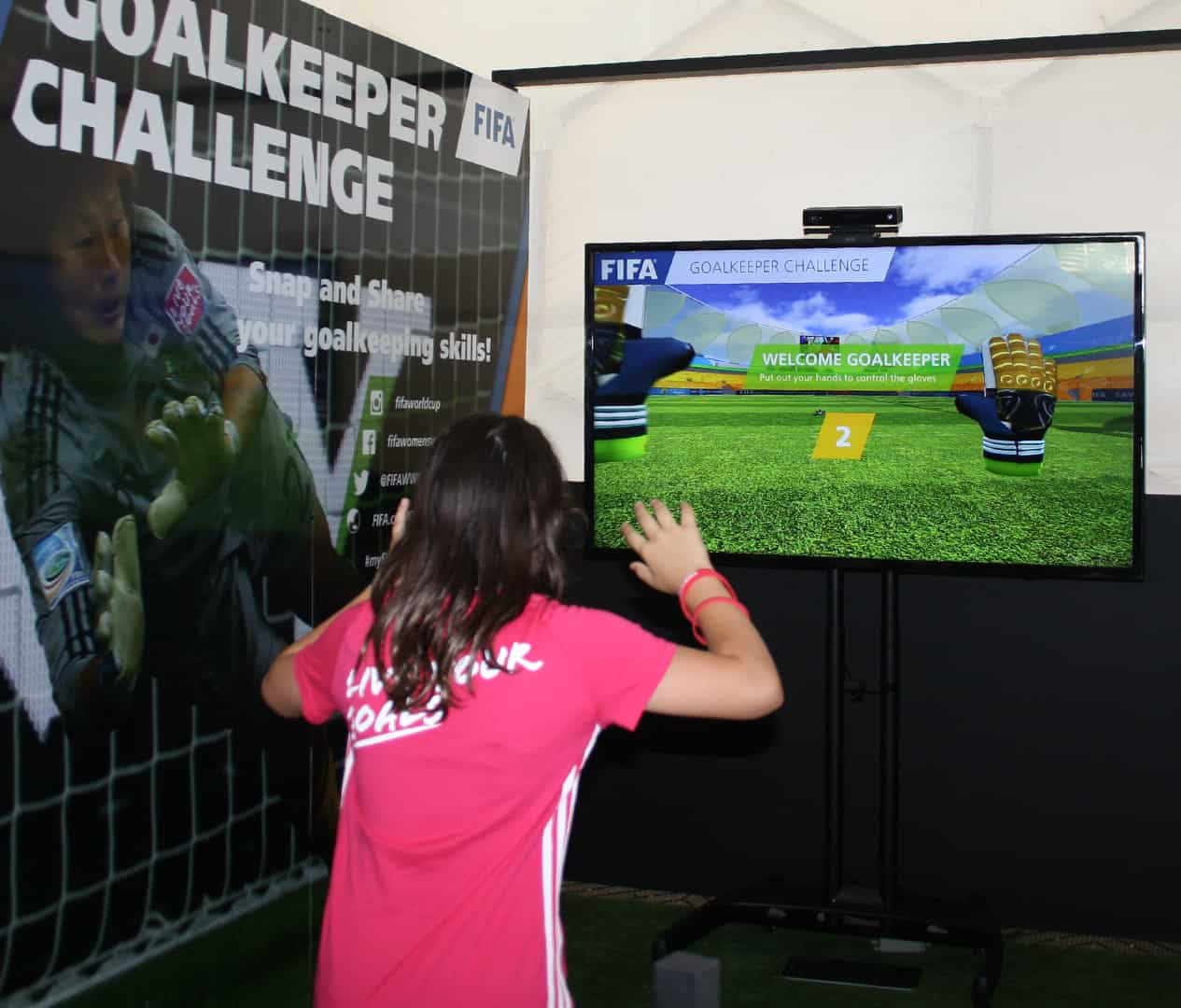 PLayer playing gesture game